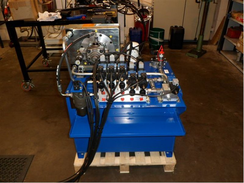 Hydraulic Power Unit with Variable Vane Pump and Bell Housing Cooler